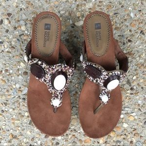 White Mountain Beaded Sandals Size 8.5